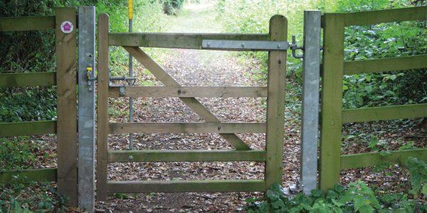 Denstone – 2 Way Bridle Gate