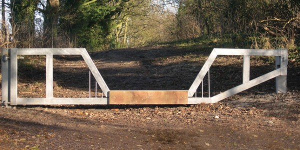 Heavy Duty Horse Friendly Vehicle Barrier